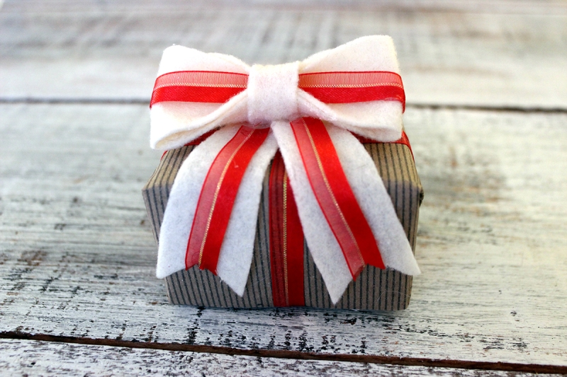 felt bow_gift